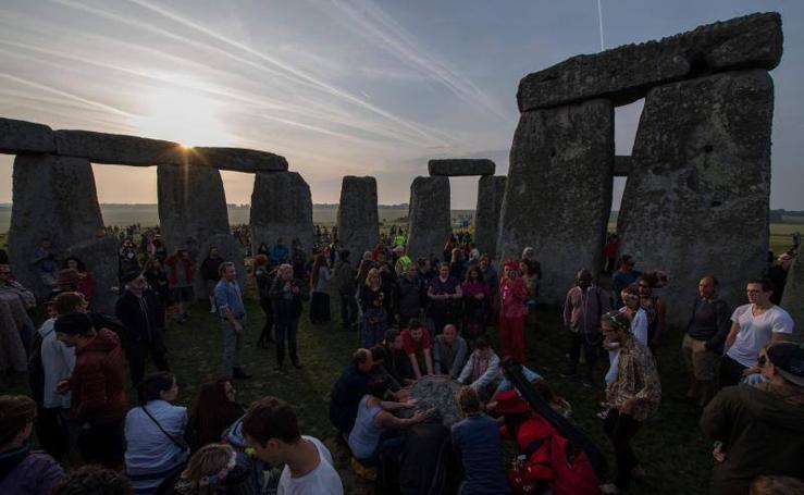 La bienvenida al verano en Stonehenge