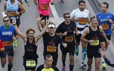 La Farola se convierte en su 200 aniversario en la imagen del Maratón de Málaga 2017