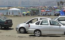 Las playas afrontan otro verano sin soluciones para la falta de aparcamientos