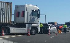 Retenciones en la autovía y autopista por la recreación del accidente en el que murieron tres personas