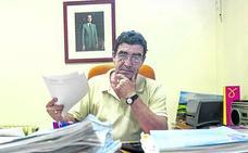 Emilio Calatayud: «Si le llamas la atención a un chaval, lo mismo te agrede o te sacuden sus padres»