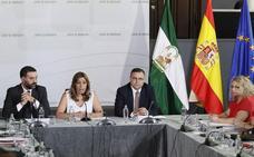 Susana Díaz reitera al sector que no instaurará una tasa turística en Andalucía