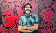 Paco Roca: «Cuando me dibujo, me pongo más alto y más guapo»