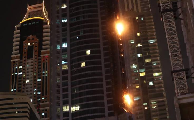 Una de las torres más altas de Dubai, en llamas de nuevo