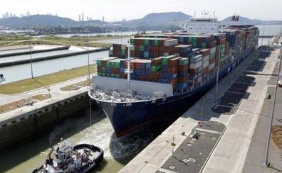 Así es el gigante buque que ha marcado un récord en el Canal de Panamá