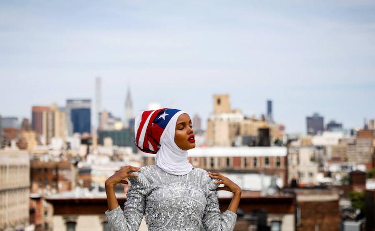 La sesión fotográfica de la modelo y exrefugiada, Halima Aden