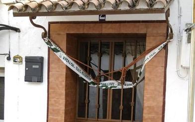 «Mamá está dormida y muy fría», el aviso al casero de un hijo de la pareja que se suicidó en Huelva
