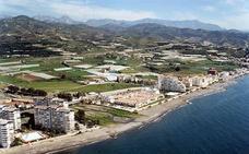Vélez-Málaga regenerará en tres años la playa de Mezquitilla con escombros reciclados