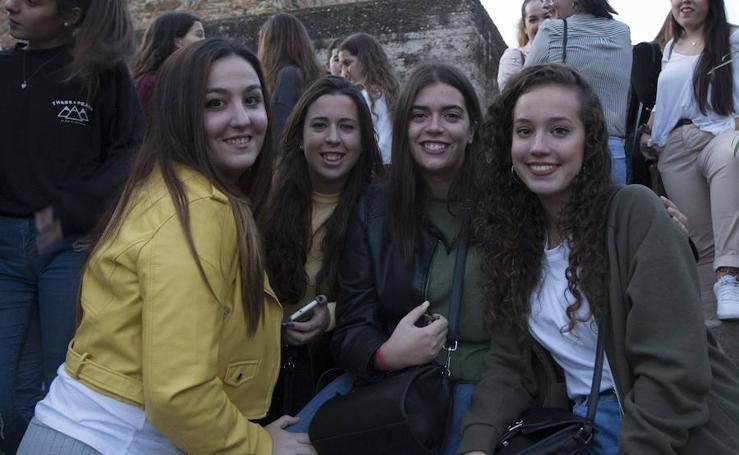 Los fans de Pablo Alborán esperan a su ídolo