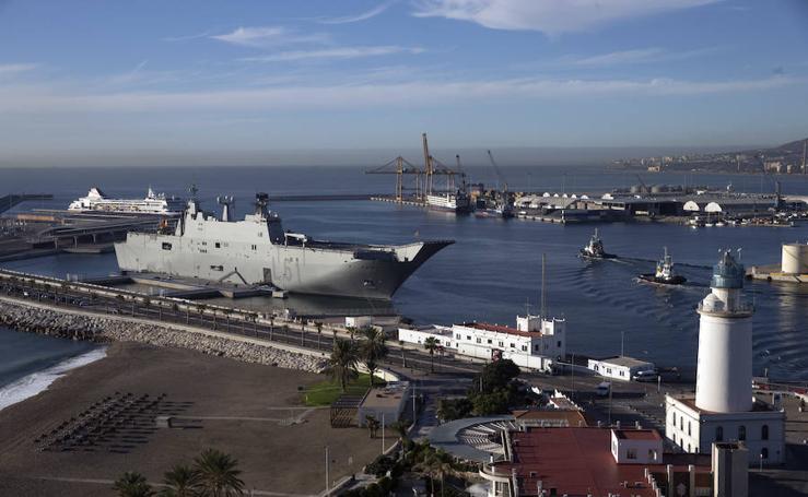 El portaaviones Juan Carlos I ya está en Málaga