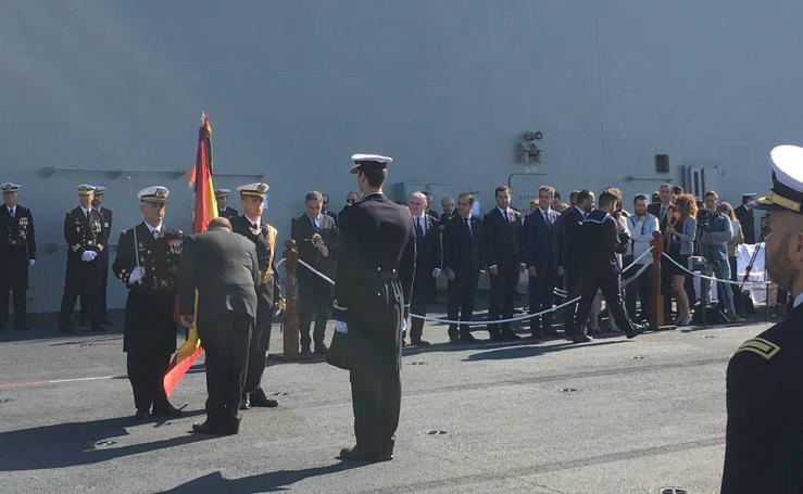Fotos de la jura de bandera civil en el portaaviones Juan carlos I en Málaga (II)