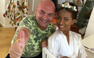 El increíble viaje para peinar a una novia a 6.000 kilómetros de Málaga
