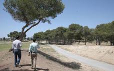 Un encauzamiento de 24 metros de ancho condiciona el parque en el Benítez de Málaga capital