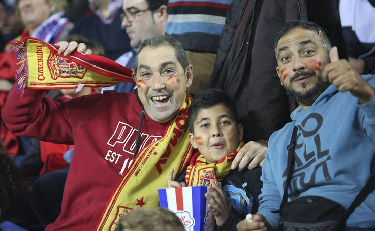 Los aficionados vibran con la selección española en Málaga