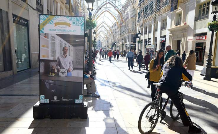 Muestra en la calle Larios de los establecimientos con más tradición en Málaga