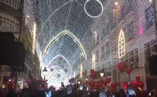 Vídeo: Así suena 'Christmas Festival' en el alumbrado de Navidad en Málaga 2017