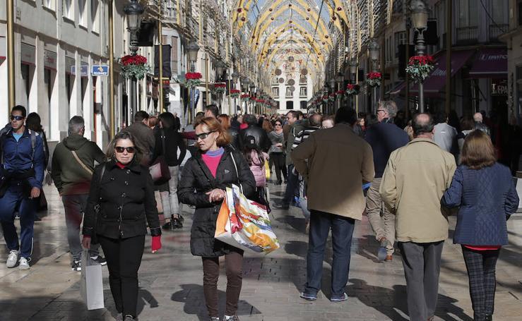 Maratón de compras y comidas de grupo en el día de la Inmaculada