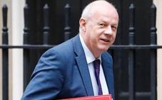 Dimite el viceprimer ministro británico tras saberse que tenía material pornográfico en su ordenador oficial