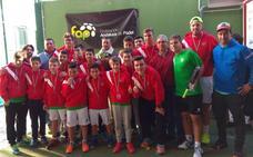 Los Boliches, campeón de Andalucía de pádel por equipos