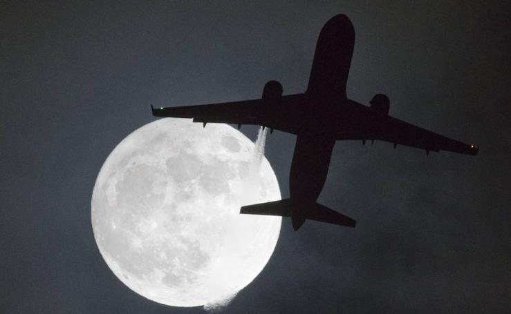 La primera superluna de 2018, en fotos