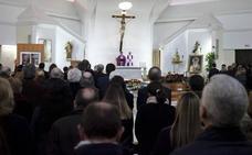 Numerosas personas y autoridades acuden a Parcemasa para despedir a Antonio Garrido Moraga