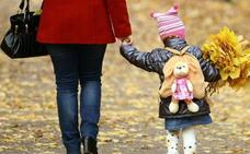 Madres solas: doble papeleta para la pobreza