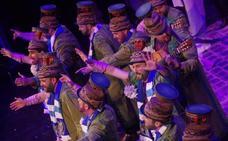 Un pasosoble del Carnaval de Málaga arremete contra el jeque y apela al espíritu de Juanito y de Viberti