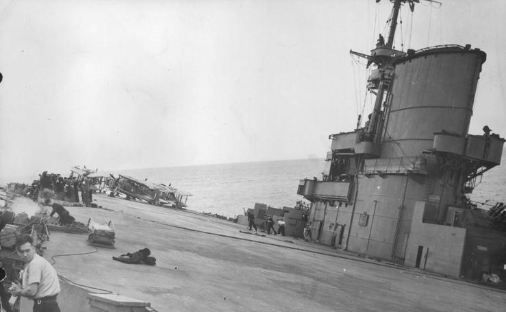 El hundimiento del portaaviones HMS Ark Royal en Málaga