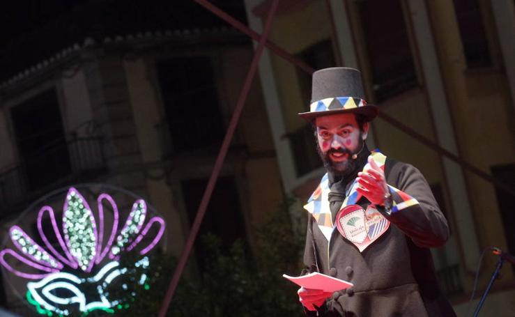 El Carnaval sale a la calle
