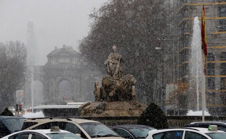España se tiñe de blanco por las copiosas nevadas