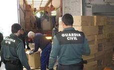 Detienen en Badajoz a un camionero de Málaga con 356.000 cajetillas de contrabando