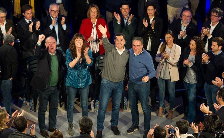 En fotos, Juanma Moreno presenta en Antequera a 48 cabezas de lista