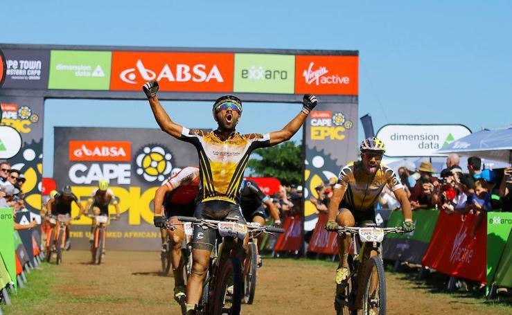 La prueba sudafricana de bicicletas todoterreno, en imágenes