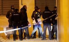 Investigan si el padre encerró con llave a sus dos hijos para que no escaparan del fuego en Madrid