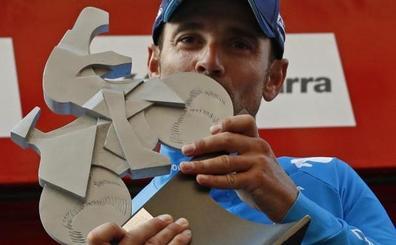 Valverde culmina un gran trabajo del Movistar