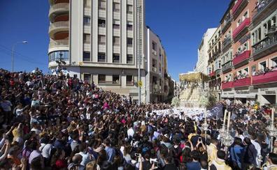 Luces y sombras de una Semana Santa marcada por una masiva afluencia de público en Málaga