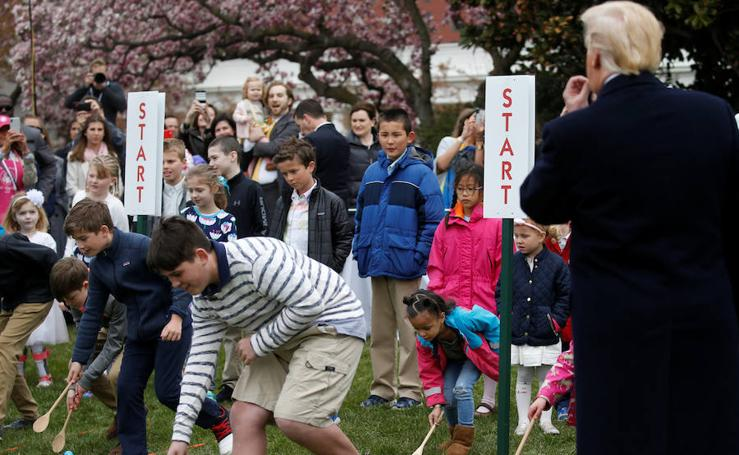 Los Trump buscan huevos de Pascua en los jardines de la Casa Blanca