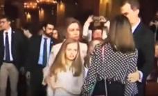 La reina Letizia impide que sus hijas se fotografíen con doña Sofía