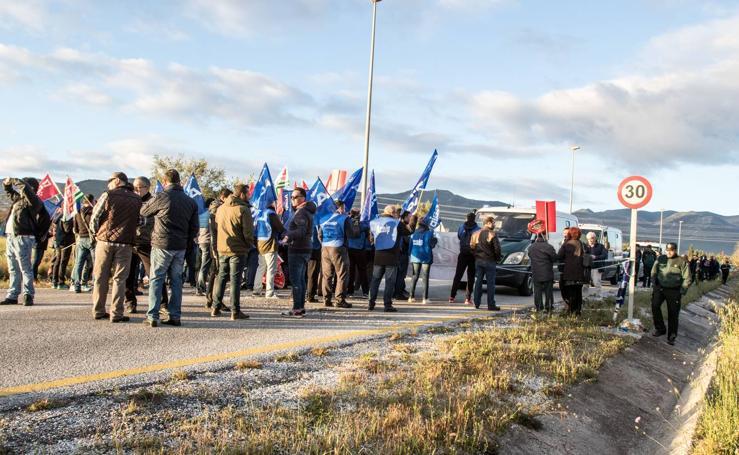 Funcionarios de prisiones impiden el acceso de los trabajadores a la cárcel de Alhaurín de la Torre