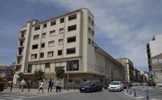 Urbanismo busca fórmulas para derribar ya el Astoria y excavar en la parcela