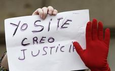 La víctima de La Manada presenta una denuncia por amenazas y contra la intimidad