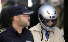 El polícia acusado de torturas 'Billy el Niño' cobra un extra por sus méritos
