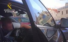 Nueve guardias civiles, apaleados por cuarenta personas en Algeciras
