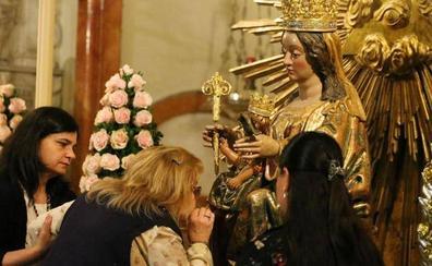 Guía del besamanos de más de 60 imágenes previo a la procesión magna de la Victoria en Málaga 2018
