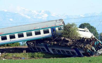 Al menos 2 muertos y 20 heridos en un accidente de tren en Italia