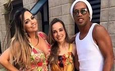 Ronaldinho hace doblete