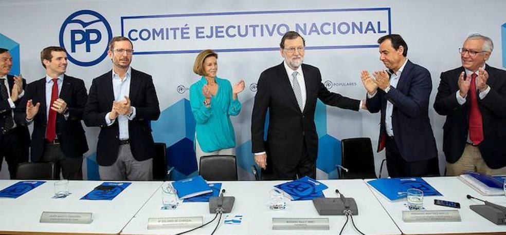 Rajoy facilita una transición rápida en el PP