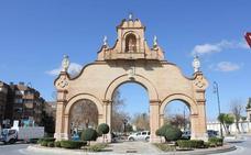 Arcos y puertas con historia que puedes ver en Málaga