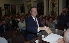 Pablo Atencia, reelegido presidente de la Agrupación de Cofradías con un amplio respaldo