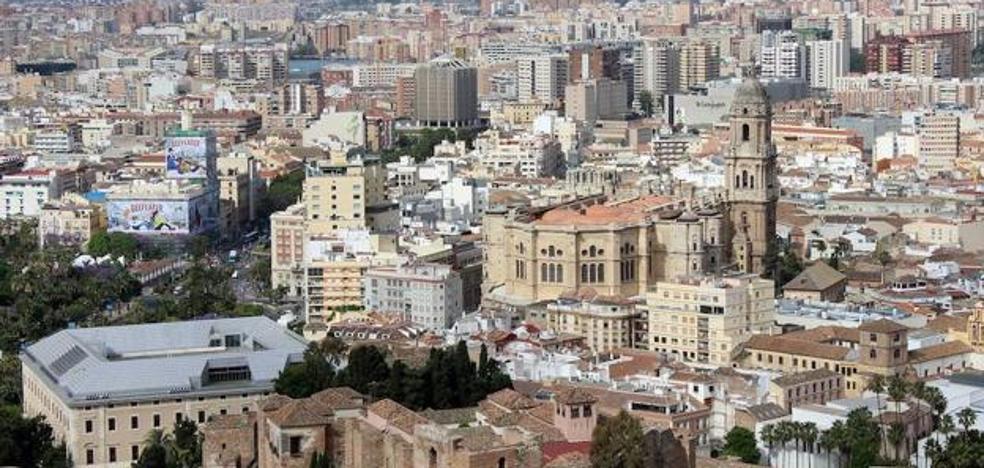Un juzgado suspende cautelarmente la revisión de los edificios protegidos del Centro de Málaga